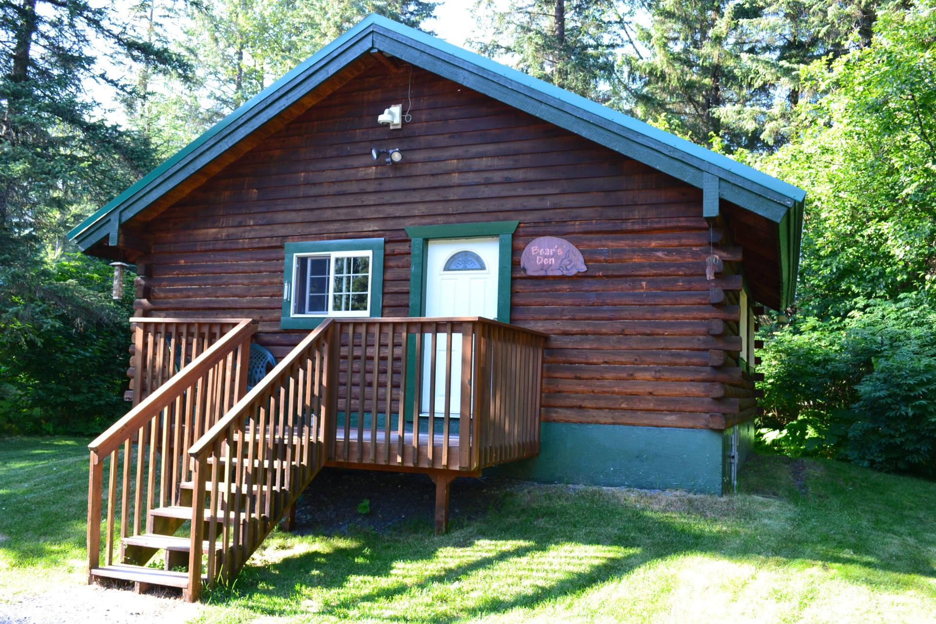 Bear's Den Cabin - Box Canyon Cabins