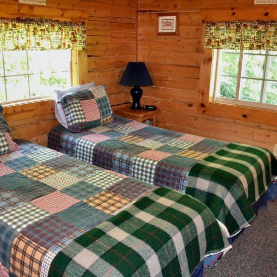 Fishermans Cabin bedroom 2 at Box Canyon Cabins, Seward, AK.
